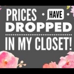OOPS! My prices have dropped!!👛👚👠👗🎒👜